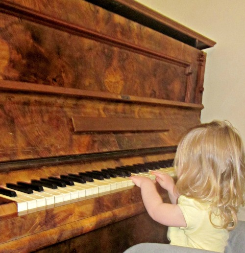 little princess on the piano
